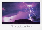 Ayers Rock - Uluru sous lorage - copyright Peter Lik